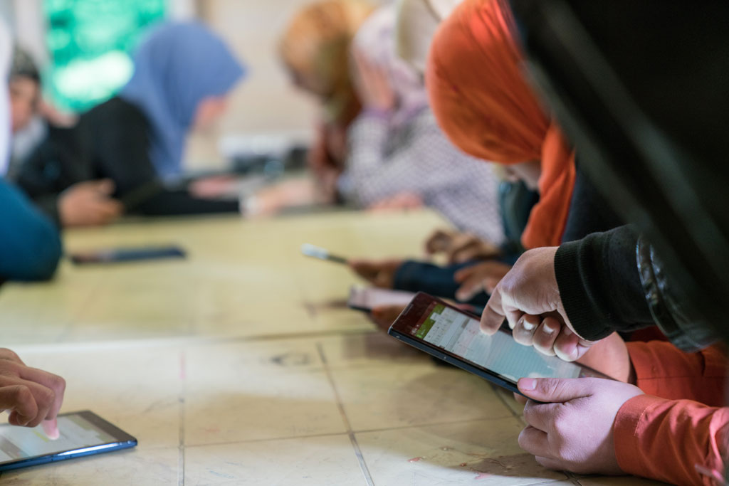 Please allow images for this mail. On this image: UN FORUM IN PARIS TO SPOTLIGHT MOBILE LEARNING FOR REFUGEES AND DISPLACED PERSONS