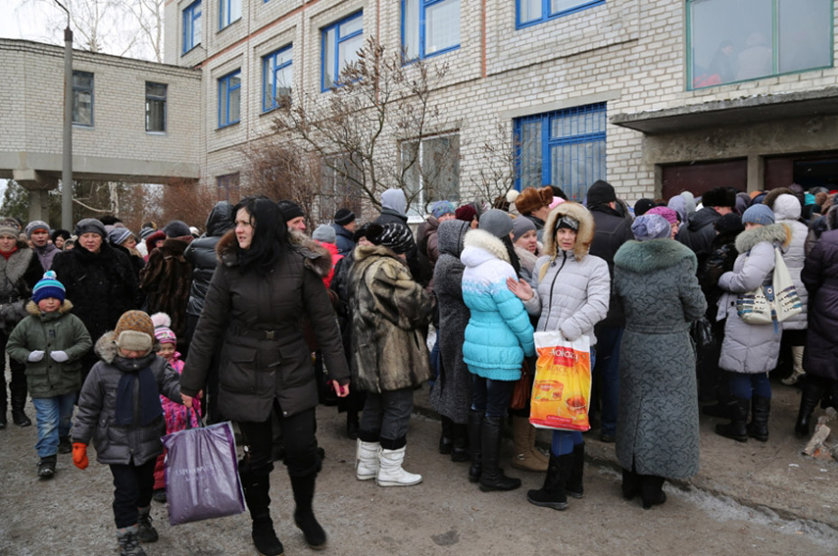 Please allow images for this mail. On this image: UN EMERGENCY FOOD AGENCY TO FEED SOME 220,000 PEOPLE IN CONFLICT-AFFECTED UKRAINE