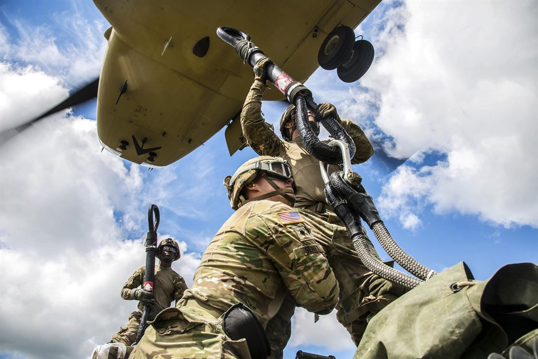 Solders conduct slingload and air assault training with M777A2 howitzers during Saber Strike 2017 at the Bemowo Piskie training area near Orzysz, Poland, June 7, 2017. Saber Strike is an annual U.S. Army Europe-led multinational combined forces exercise aimed at enhancing the NATO alliance throughout the Baltic region and Poland. Army photo by Spc. Stefan English